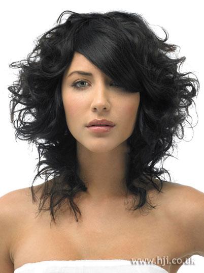 Черный цвет волос. Фото.: zhaneta.ru/chernyj-cvet-volos-kak-pokrasit-i-smyt-foto.html