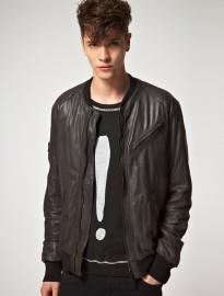 Мужские кожаные куртки.