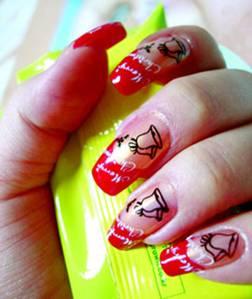 Красные ногтти