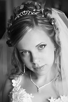 Длинные свадебные прически.