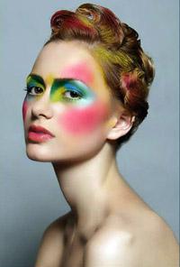 Модный макияж.