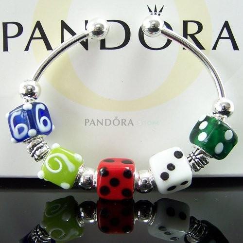Украшения Pandora.